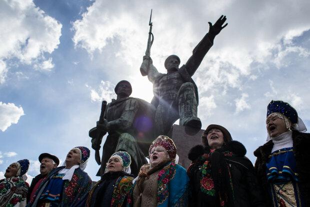 """Муждабаев рассказал, как Россия устраивает геноцид украинского народа в Крыму: """"Готовы отдать любые деньги"""""""