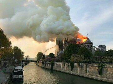 Пожар в Соборе Нотр-Дам потушить невозможно, огня все больше: «утрачено безвозвратно»