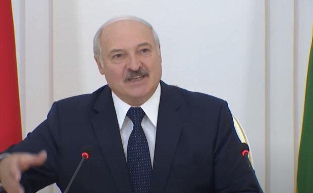"""""""Попереджаю по-хорошому"""": Лукашенко побачив у своєму народі дармоїдів і кримінальників"""