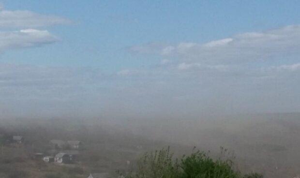 Стихия обрушилась на Одесскую область: бурю сняли на видео