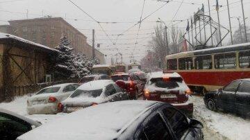 Снег-пробки