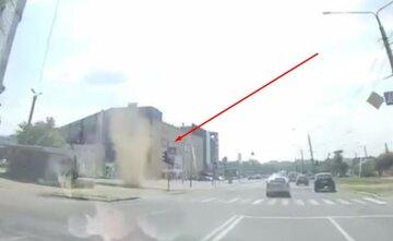 На Харьков обрушился торнадо: появилось видео гнева стихии
