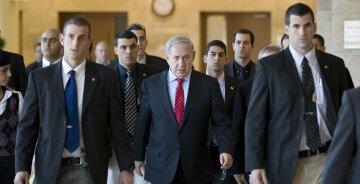 премьер-министр Израиля Биньямин Нетаньяху с охраной