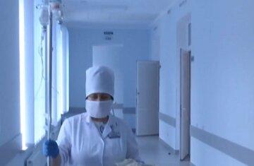 """Киевские подростки устроили """"таблеточный челлендж"""": в больницу попали еще несколько детей"""