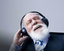 наушники музыка пенсионер