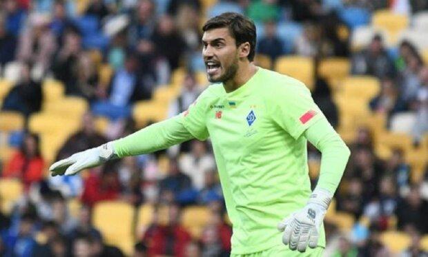 «Та вибий його»: голкіпера Динамо рознесли за дику помилку, яка зламала гру