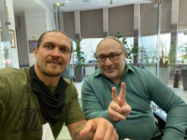 """Боксер Усик став студентом Харківського вишу, фото: """"Після навчання в політику?"""""""