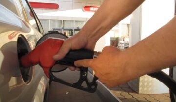"""Уряд перерахував ціну на бензин на кінець липня за формулою """"Роттердам+"""""""