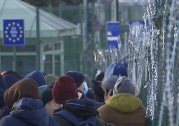 Украинцы пошли на штурм польской границы: кадры с места огромных очередей