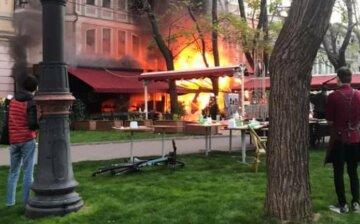 В Одесі спалахнув ресторан, людей терміново евакуювали: кадри з місця НП