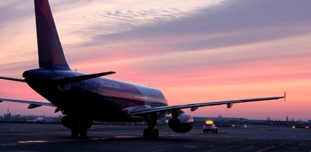 В Одессе отменяют все рейсы, аэропорт не работает: что происходит