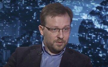 На ділі, як не дивно, українська економіка не завалилася, - Толкачов