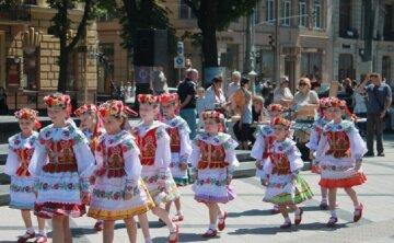 Обязательное исполнение гимна в школах столицы: в Киевсовете раскрыли новые детали
