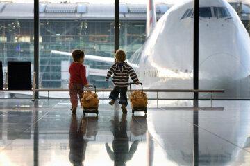 ребенок дети аэропорт
