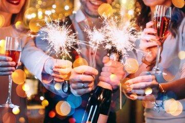 Привітання з Новим роком через СМС