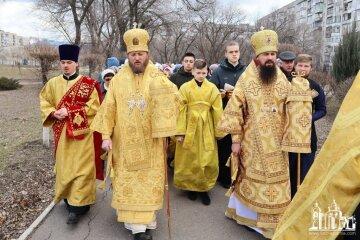 Крестные ходы УПЦ в Украине: нас притесняют, но нас становится больше