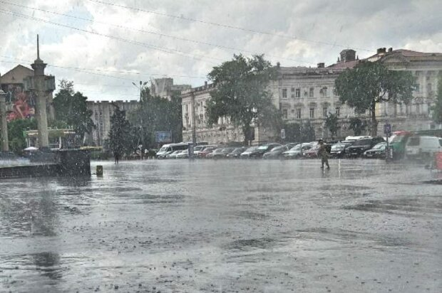 В Одесі буде лити, як з відра: синоптики повідомили про погоду 28 травня