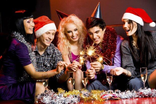 Конкурсы на Новый год для компании друзей