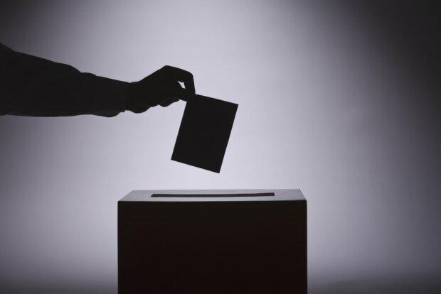 На выборах применили новое «секретное» оружие: это есть в каждом доме