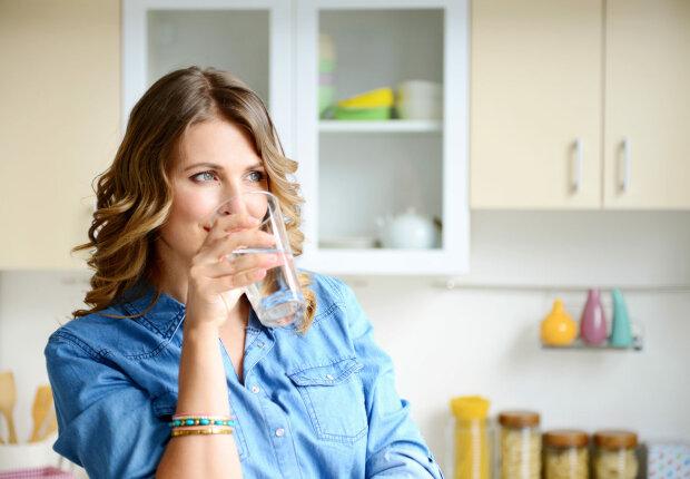 От воды можно умереть: как пить правильно