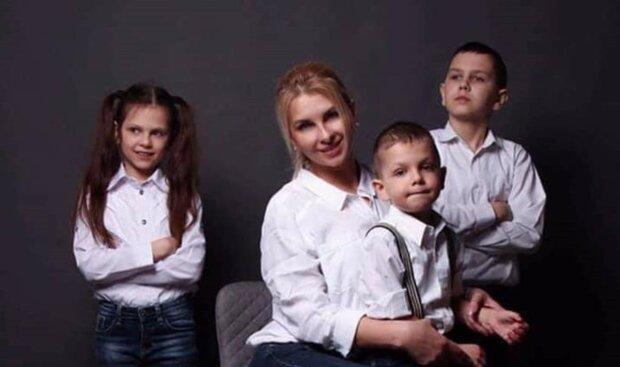 """Важка хвороба забрала життя багатодітної українки, сім'я потребує допомоги: """"П'ять років тому не стало чоловіка"""""""