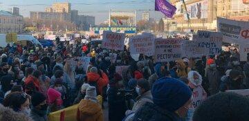 """Сотни харьковчан взбунтовались против карантина, терпение закончилось: """"требуем отставки правительства"""""""