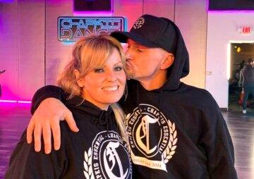 Грег Чапкис с женой Эмбер