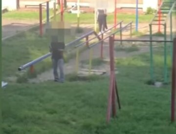 Стрельбу открыли в школьном дворе, там находились дети: первые кадры ЧП во Львове