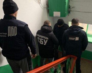 """На Одещині викрили """"перевертня"""" серед силовиків: за що вимагав тисячі доларів"""