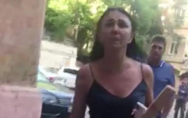 В Киеве полиция не смогла успокоить неадекватную мажорку - СМИ