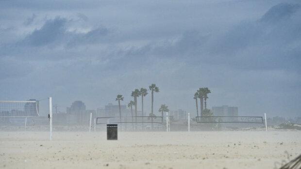 Апокаліпсис у Каліфорнії: на штат обрушився найпотужніший шторм (фото, відео)