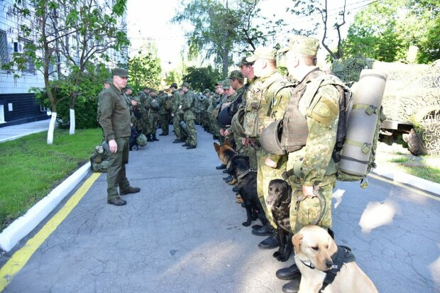 Поліцію Донбасу підняли за тривогою (фото)