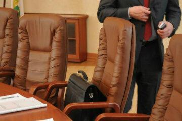 чиновник кресло