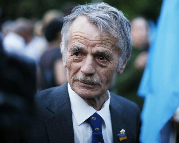 Джемілєв: кримські татари масово тікають із півострова