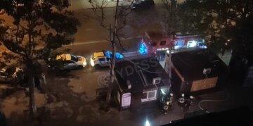 Волна поджогов прокатилась по Одессе, съехались полиция и спасатели: видео ЧП