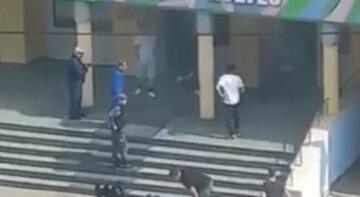 Стрілянина прогриміла в школі, багато загиблих і поранених: перші кадри трагедії в РФ