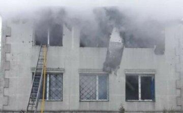 Масштабный пожар разгорелся в Харькове, известно о множестве погибших: первые кадры трагедии