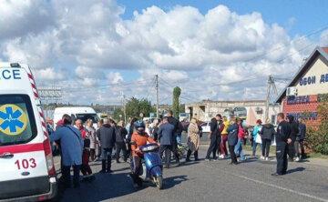 На Одещині збунтувалися жителі, перекривши дорогу: перші деталі і кадри того, що відбувається