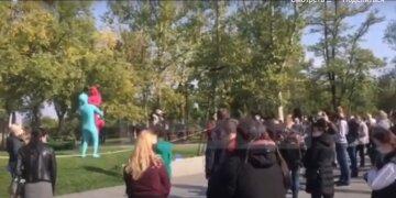 """Посилення карантину й продовження режиму НС, українці підняли бунт: """"Як нам жити?"""""""