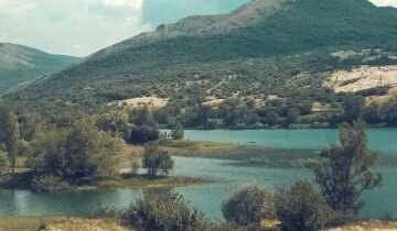 """""""Воды осталось на восемь дней"""": крымское водохранилище, поившее Симферополь, стремительно высыхает, кадры"""