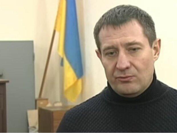 """Алекс Белый: """"Радикал"""" Аверьянов оставил ни с чем бывшую жену и детей, суд встал на его сторону"""""""