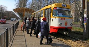 Режим ЧС в Одессе: что происходит в общественном транспорте и кого пускают, фото