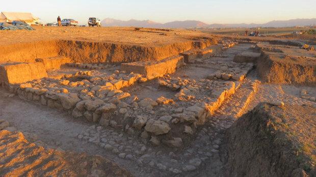 археологи ученые раскопки