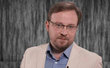 Нещасна людина стала головним гвинтиком глобальної економічної системи, - Толкачов