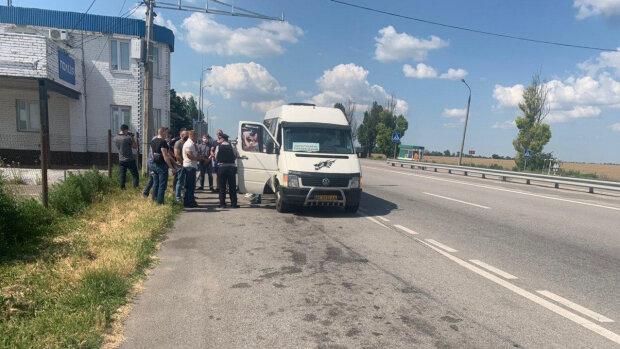 Нацкорпус: на въезде в Запорожье полиция задержала титушок Шария