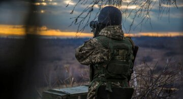 Бої на Маріупольському напрямку: ворог поливає позиції ВСУ вогнем, бойовики використовують великий калібр