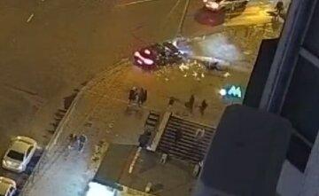 В Киеве пьяный водитель на Porsche вылетел на тротуар и сбил пешехода: видео жуткого ДТП