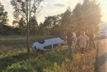 """Авто потрапило в ДТП, всередині була мама з немовлям: """"Дитина влетіла в лобове скло"""""""