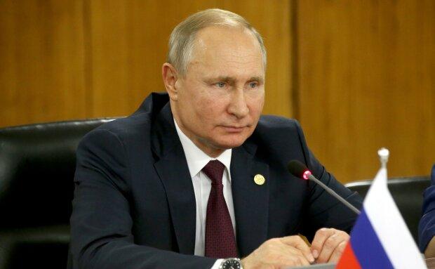 """Путін з бабусею спантеличив росіян, такого ніхто не очікував: """"Нареченій мейкап наводить"""""""