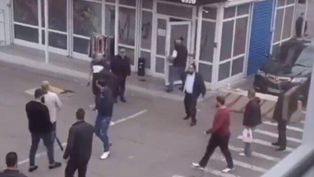 """""""Девяностые  возвращаются"""": обнародовано видео стрельбы на промрынке """"Седьмой километр"""""""